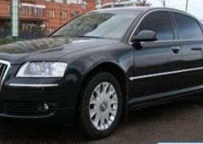 Автомобиль Audi A8