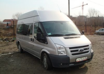 Микроавтобус Ford
